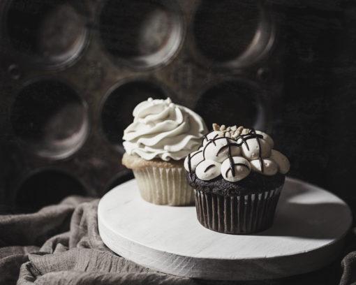 kjdewnal-vanilla-chocolate-cupcakes