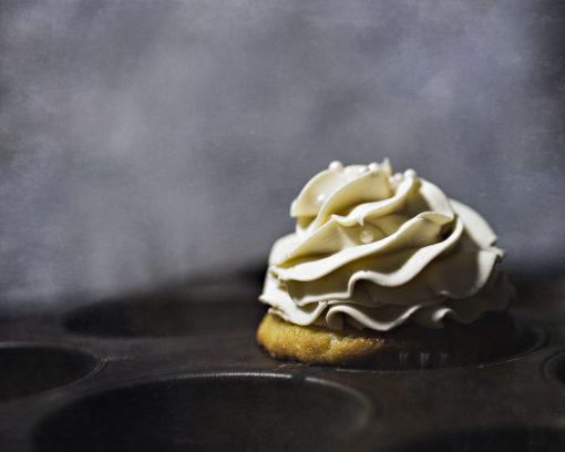 kdewaal-vanilla-cupcake